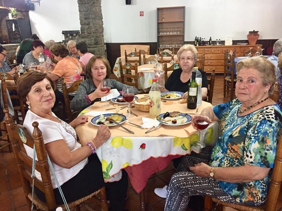 Disfrutando de un maravilloso almuerzo en Restaurante Puerta del Valle